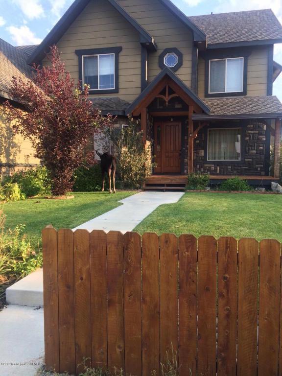 445 Meadowood St, Pinedale, WY 82941 (MLS #17-633) :: Sage Realty Group