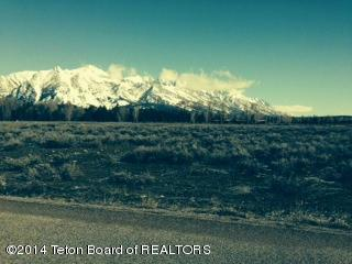 555 E Solitude Dr, Jackson, WY 83001 (MLS #17-986) :: Sage Realty Group
