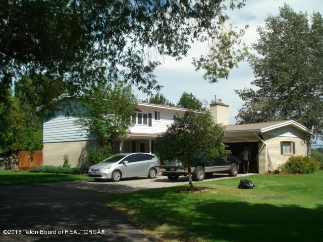410 E 7TH, St. Anthony, ID 83445 (MLS #18-1853) :: West Group Real Estate