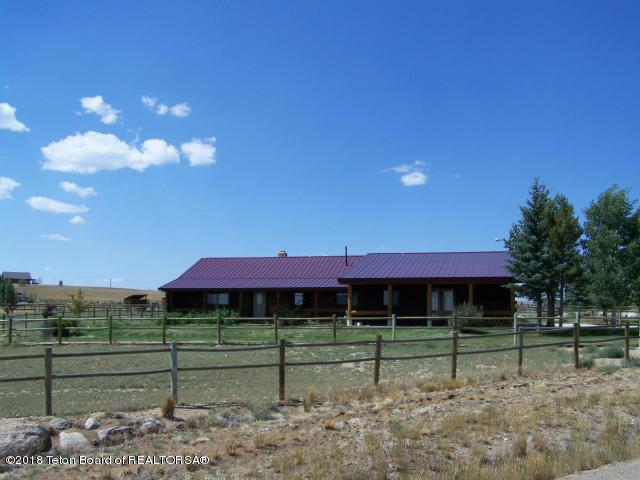 19 Stock Driveway, Pinedale, WY 82941 (MLS #18-435) :: West Group Real Estate