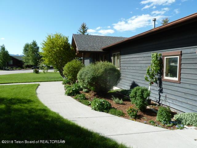 700 Buffalo Trl, Driggs, ID 83422 (MLS #19-757) :: Sage Realty Group