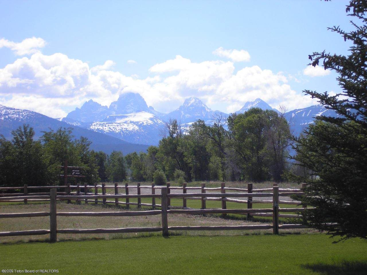 https://bt-photos.global.ssl.fastly.net/teton/orig_boomver_1_20-1102-2.jpg