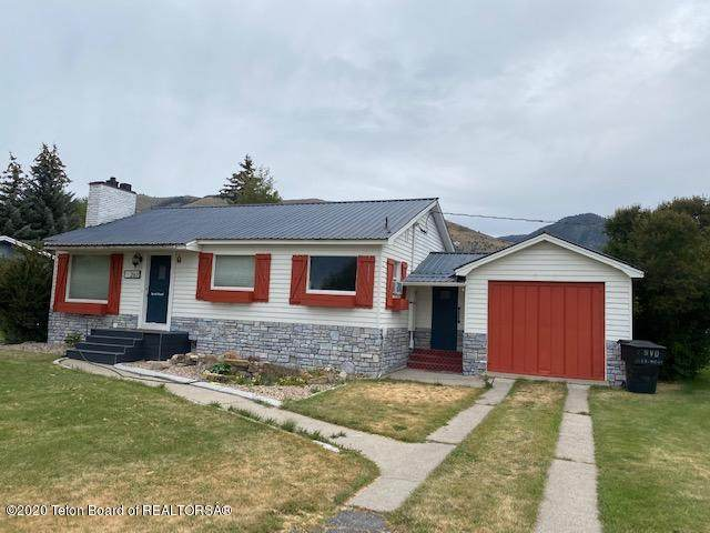 267 E Afton Blk 9 St, Afton, WY 83110 (MLS #20-2532) :: West Group Real Estate