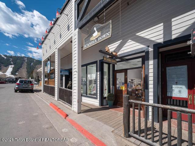 165 Center St #3, Jackson, WY 83002 (MLS #21-1698) :: Coldwell Banker Mountain Properties