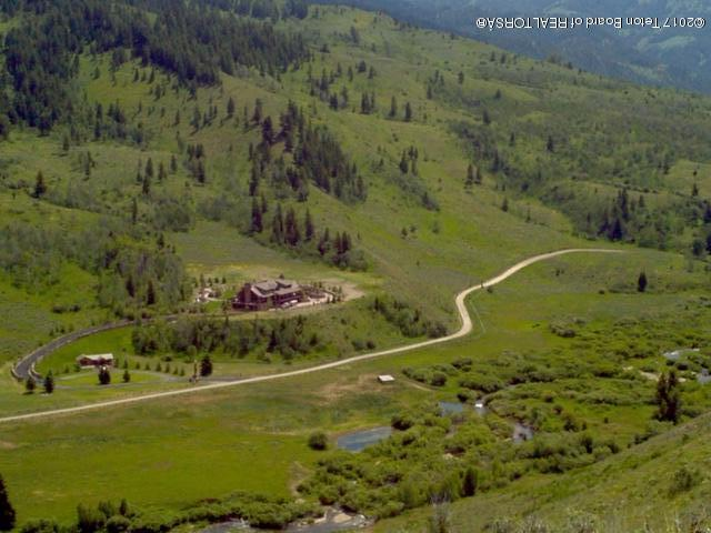 2800 E Horse Creek Road, Jackson, WY 83001 (MLS #17-1369) :: Sage Realty Group