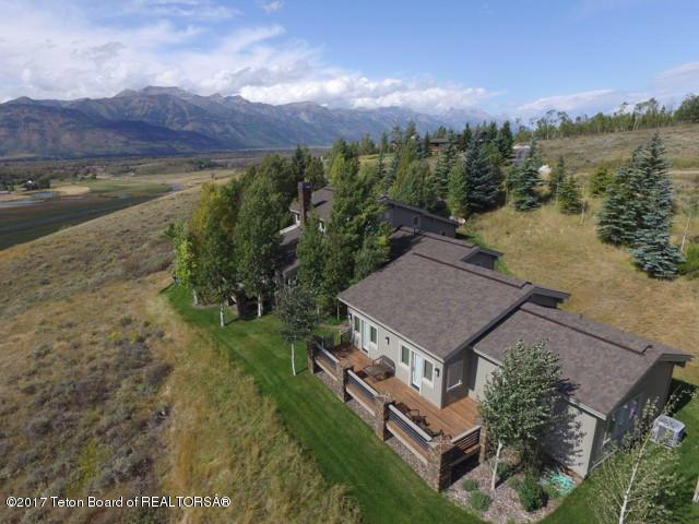 525 N Spur Rd, Jackson, WY 83001 (MLS #17-3237) :: West Group Real Estate