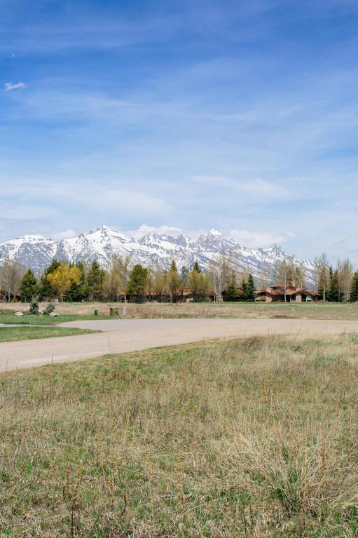 Address Not Published, Jackson, WY 83001 (MLS #18-1136) :: West Group Real Estate
