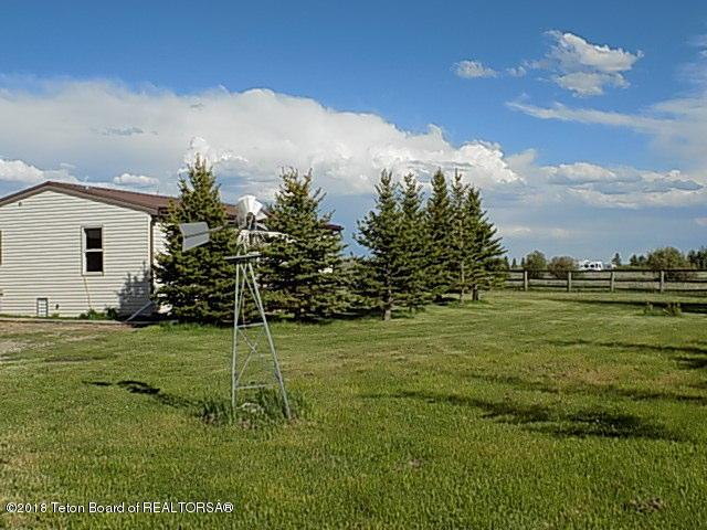 40 Lone Wolf Rd, Daniel, WY 83115 (MLS #18-1639) :: West Group Real Estate
