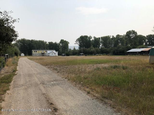 3725 W Zach Lane, Wilson, WY 83014 (MLS #18-2563) :: West Group Real Estate