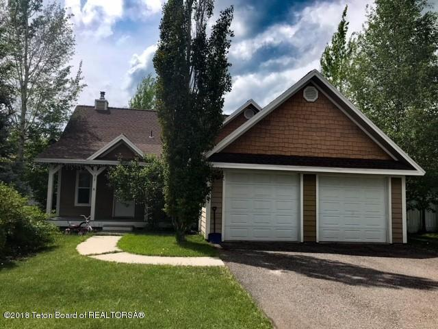 717 Streamside St, Driggs, ID 83422 (MLS #18-287) :: West Group Real Estate