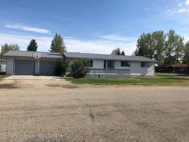 111 W Buffalo St, Pinedale, WY 82941 (MLS #19-1370) :: The Group Real Estate