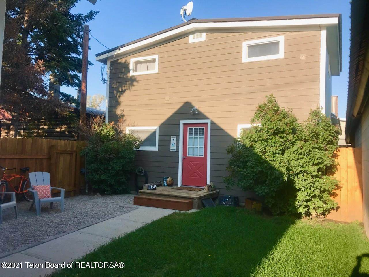 42 Franklin Ave - Photo 1