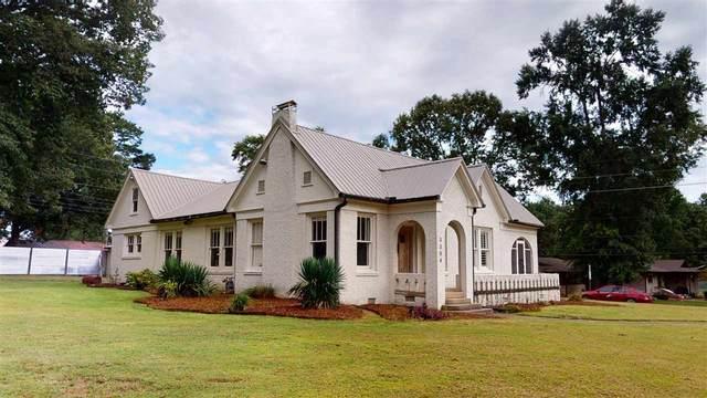 3304 Wood, Texarkana, TX 75503 (MLS #107287) :: Better Homes and Gardens Real Estate Infinity