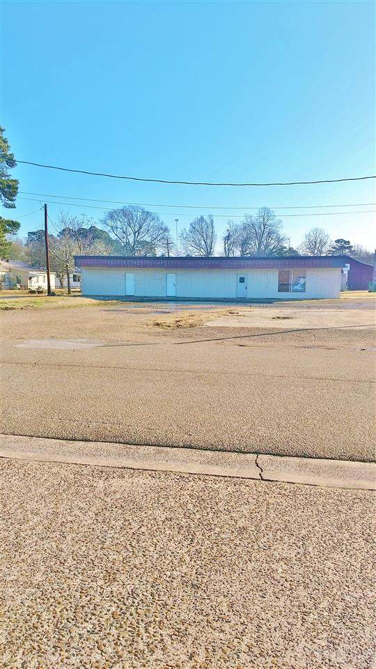 101 E Ave A, Hooks, TX 75561 (MLS #106195) :: Better Homes and Gardens Real Estate Infinity