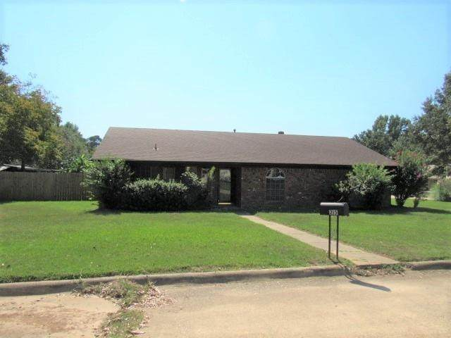 215 Pine Forest Street, Wake Village, TX 75501 (MLS #107976) :: Better Homes and Gardens Real Estate Infinity