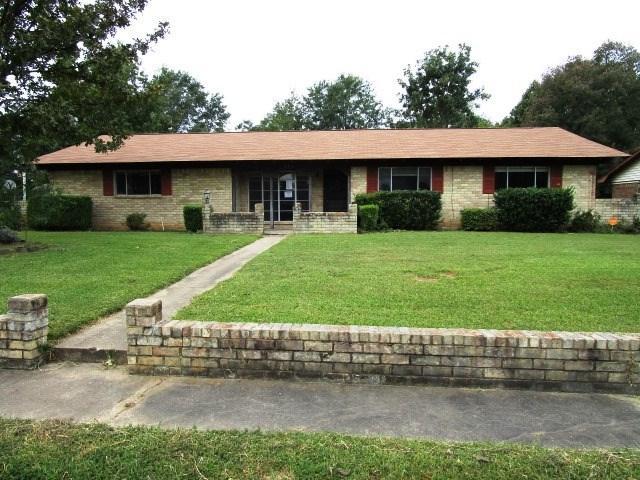 215 Camelia Ave, Hooks, TX 75561 (MLS #99322) :: Coldwell Banker Elite