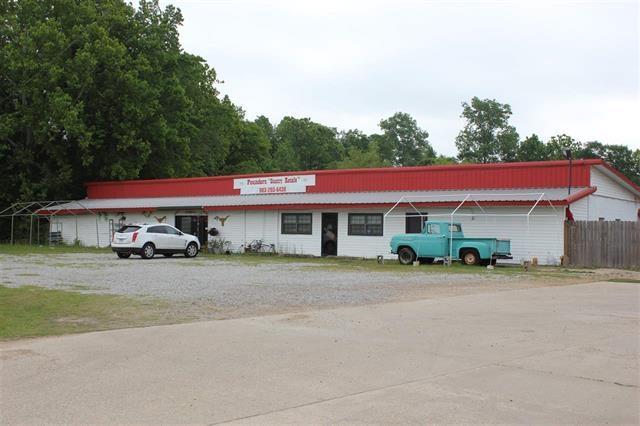 2411 W 7th, Texarkana, TX 75501 (MLS #99683) :: Coldwell Banker Elite
