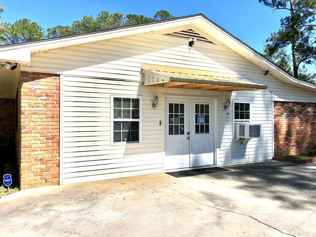 1409 10th Street, Moultrie, GA 31768 (MLS #131011) :: Lindy's Town and Country Real Estate | Keller Willimas Middle GA