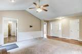 2048 Queen Charlotte Place - Photo 9