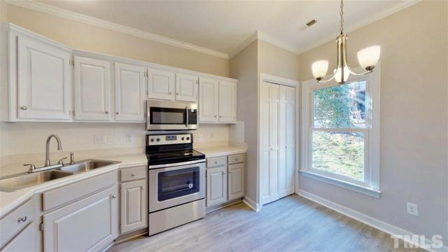 136 Milford Court, Cary, NC 27511 (#2242372) :: Marti Hampton Team - Re/Max One Realty