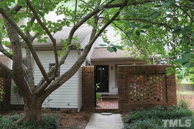 15 Bloomsbury Court, Chapel Hill, NC 27517 (#2329465) :: The Beth Hines Team