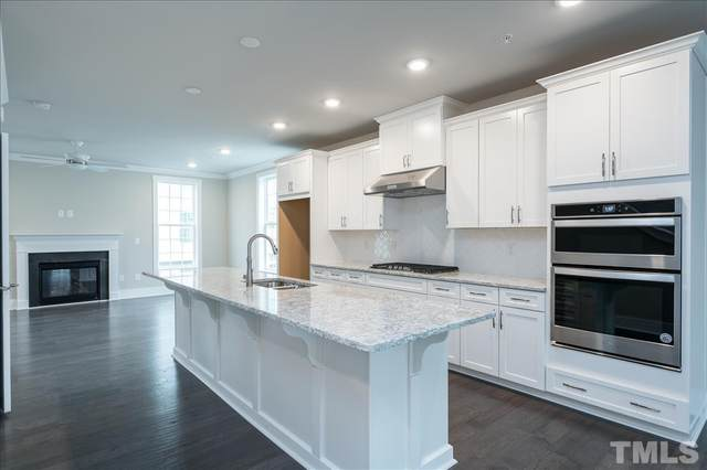 10320 Sablewood Drive #102, Raleigh, NC 27617 (MLS #2361932) :: On Point Realty