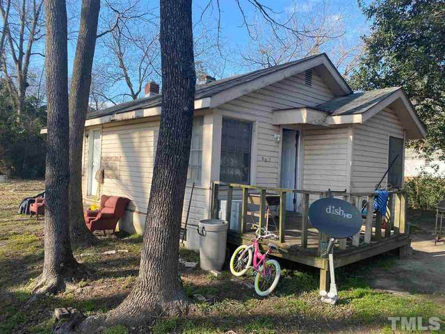 905 N Fayetteville Avenue, Dunn, NC 28334 (#2369320) :: The Perry Group