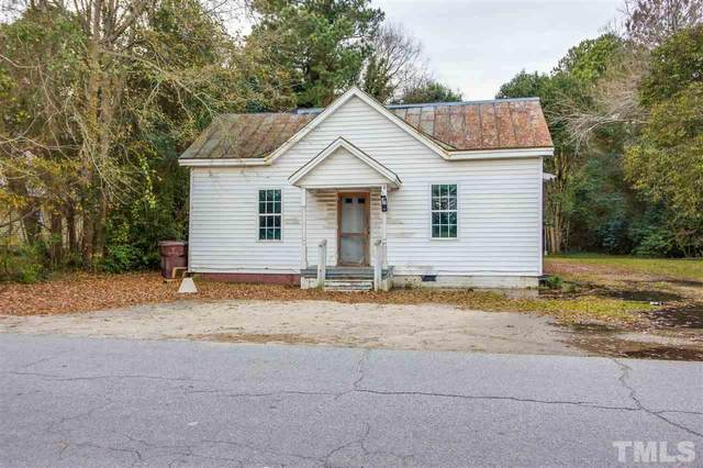 411 N Mckay Avenue, Dunn, NC 28334 (#2369483) :: The Rodney Carroll Team with Hometowne Realty