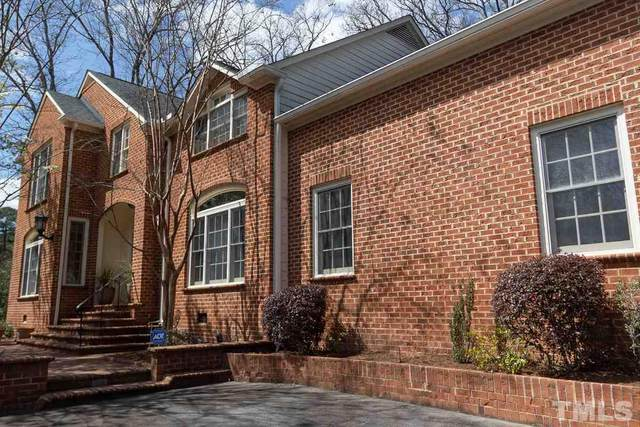 1 St James Place, Chapel Hill, NC 27514 (#2373835) :: Triangle Just Listed