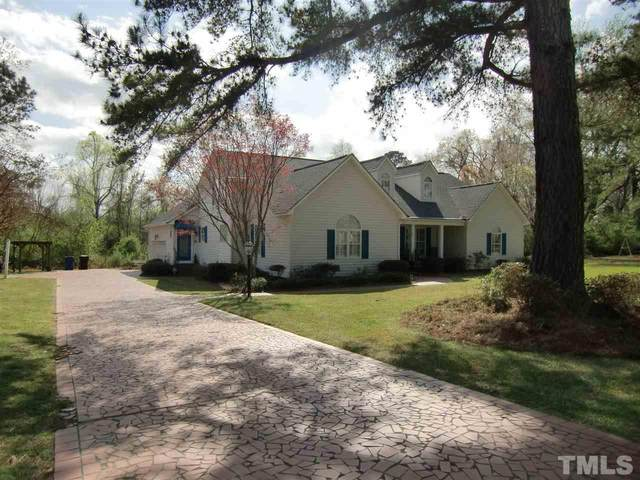 207 Winterlochen Drive, Dunn, NC 28334 (#2374926) :: The Rodney Carroll Team with Hometowne Realty