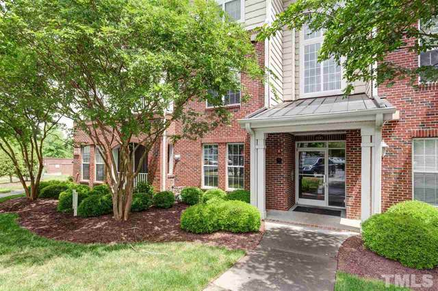 611 Ives Court #611, Chapel Hill, NC 27516 (#2382548) :: Rachel Kendall Team
