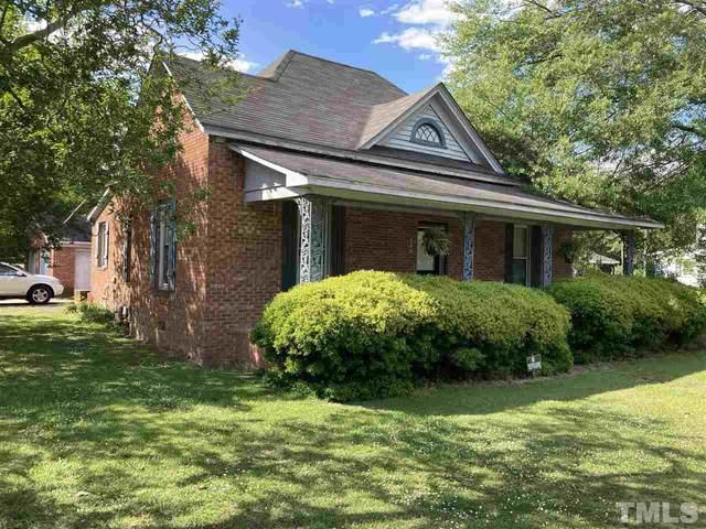 506 W North Street, Roseboro, NC 28382 (#2384111) :: Steve Gunter Team