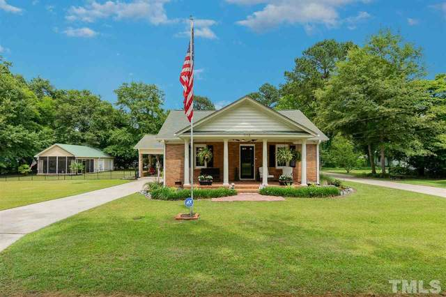 504 Maple Avenue, Four Oaks, NC 27524 (#2388131) :: The Perry Group