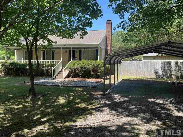 2016 Meadow Court, Clayton, NC 27520 (#2392224) :: The Perry Group
