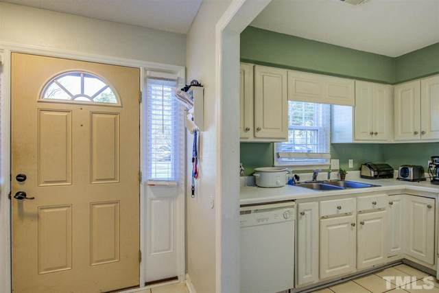 5617 Windy Hollow Court, Raleigh, NC 27609 (#2398290) :: Raleigh Cary Realty