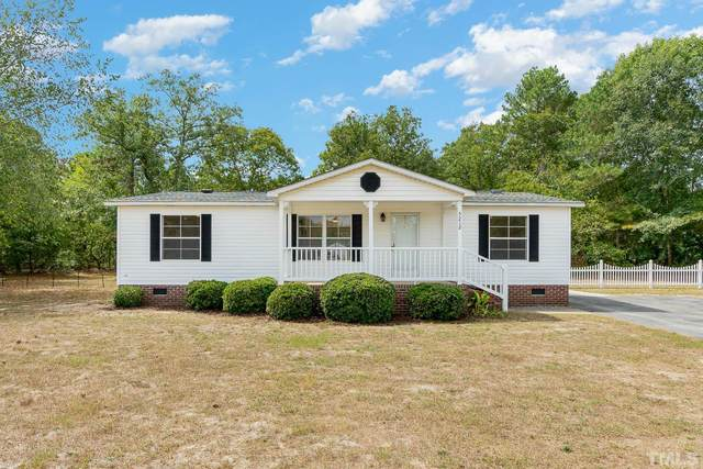 5212 Perry Oliver Drive, Hope Mills, NC 28348 (#2408829) :: Marti Hampton Team brokered by eXp Realty