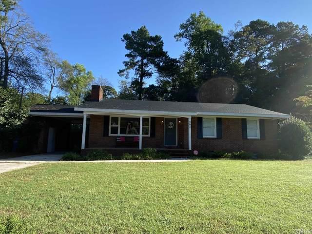 902 W Pearsall Street, Dunn, NC 28334 (#2409668) :: Scott Korbin Team