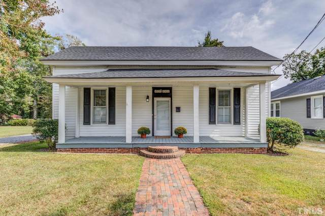 413 S Third Street, Smithfield, NC 27577 (#2409861) :: Triangle Just Listed