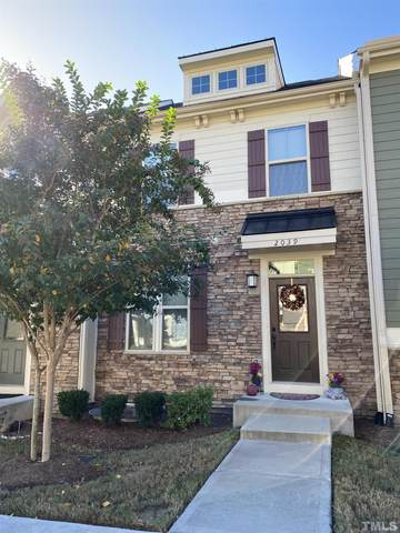 2039 Old Chapman Drive, Apex, NC 27502 (#2415093) :: Raleigh Cary Realty