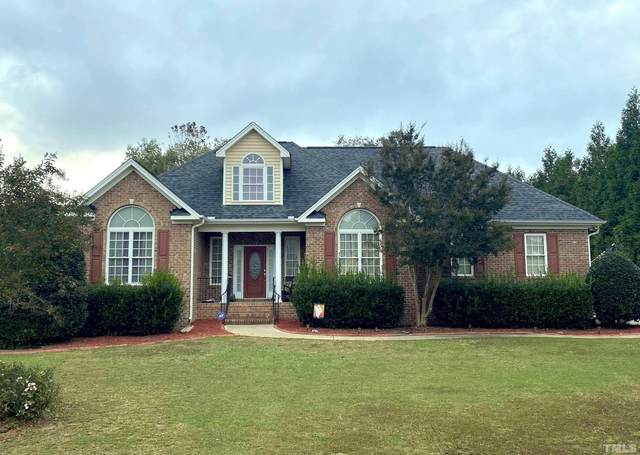 1009 White Meadows Drive, Fuquay Varina, NC 27526 (#2415223) :: Raleigh Cary Realty