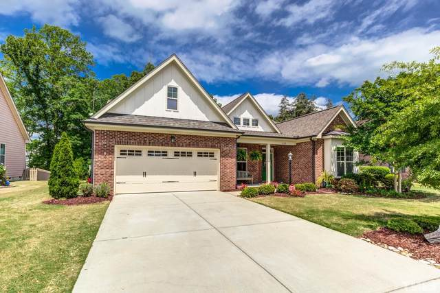 449 Sippihaw Oaks Drive, Fuquay Varina, NC 27526 (#2415362) :: Raleigh Cary Realty