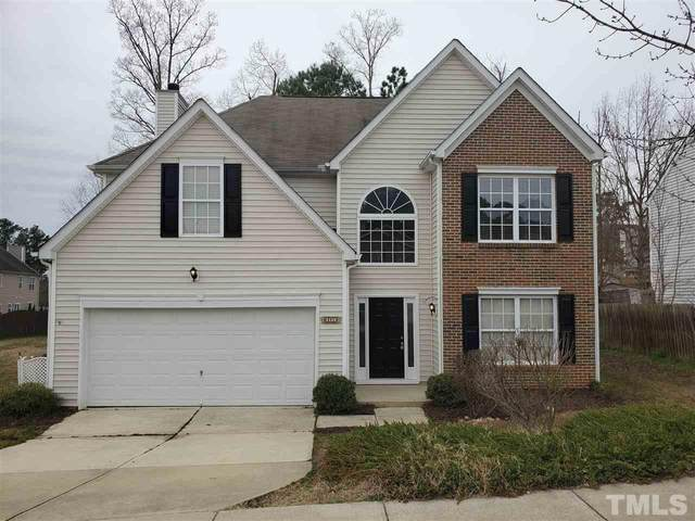 605 Holly Thorn Trace, Holly Springs, NC 27540 (#2369676) :: The Rodney Carroll Team with Hometowne Realty