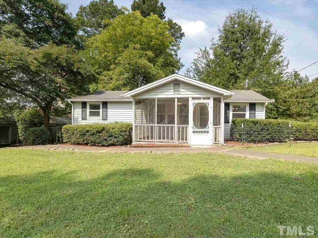 201 W Maple Avenue, Holly Springs, NC 27540 (#2396080) :: Bright Ideas Realty