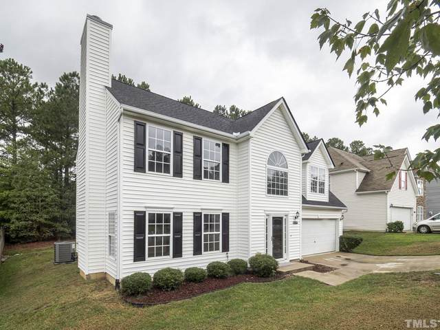 701 Holly Thorne Trace, Holly Springs, NC 27540 (#2408729) :: The Helbert Team