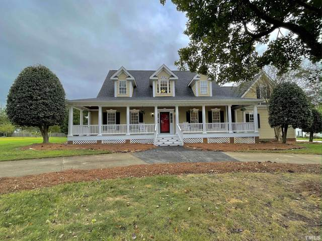 4511 Forest Drive, Holly Springs, NC 27540 (#2410211) :: The Helbert Team
