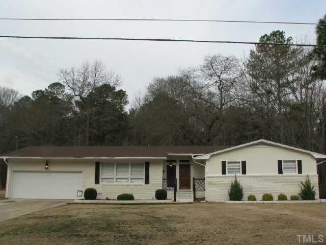 1609 Currituck Avenue, Dunn, NC 28334 (#1945237) :: Rachel Kendall Team, LLC