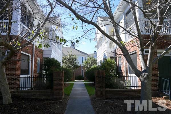 708 Copperline Drive #202, Chapel Hill, NC 27516 (#2161618) :: Marti Hampton Team - Re/Max One Realty