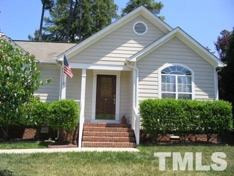 102 Covewood Court, Cary, NC 27513 (#2166005) :: Raleigh Cary Realty