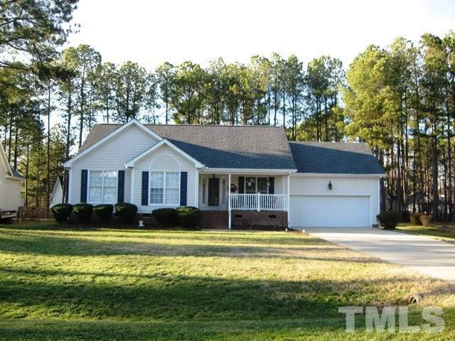 908 Sunset Drive, Fuquay Varina, NC 27526 (#2172576) :: Raleigh Cary Realty
