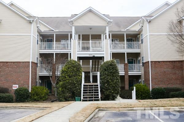 911 Glenolden Court #201, Cary, NC 27513 (#2174519) :: The Jim Allen Group